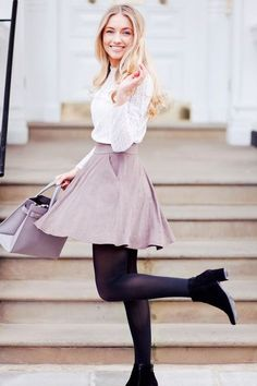Fashion blogger style -love this flared skirt