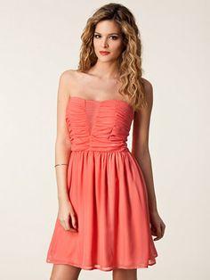 Cilla Dress - Jeane Blush - Peach - Party Dresses - Clothing - Women - Nelly.com