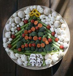 Snow Christmas Veggie Platter.