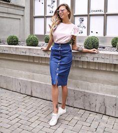 634 отметок «Нравится», 3 комментариев — T-Skirt - We Do Skirts! (@t.skirt) в Instagram: «Наши абсолютные летние MUST HAVE - джинсовая юбка-карандаш, топ из хлопка с воланами и…»