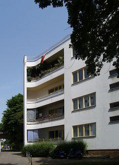 "Hans Scharoun: Siedlung Siemensstadt, Berlin, 1929-31 (""Panzerkreuzer"")"