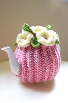 Tea Cosy for One-this pattern is for sale, but think I could re-produce it, using crochet flowers & leaves. Tea Cosy Knitting Pattern, Tea Cosy Pattern, Crochet Cozy, Crochet Crafts, Free Crochet, Knitting Projects, Crochet Projects, Teapot Cover, Knitted Tea Cosies