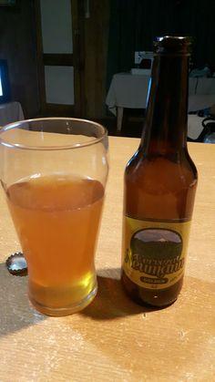 Cerveza Neumann, Artesanal de Puerto Montt, Sabor intenso, salado al final, la espuma se desvanece muy rápido, Aroma a trigo y levadura, sabor natural. A repetir: Si