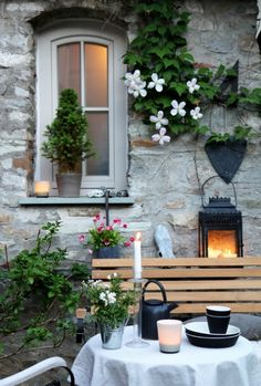 Es war einmal..., Tags Garten + Clematis + Hortensie + Steinwand + Hof