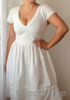 View details for the project White V- neckline dress on BurdaStyle.