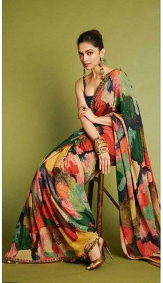 Deepika Padukone upcoming movies list is available here. And Love 4 Ever is the Deepika Padukone upcoming movie which will be released on this year. Pure Georgette Sarees, Satin Saree, Sari Design, Diy Design, Bollywood Designer Sarees, Bollywood Saree, Indian Bollywood, Bollywood Wedding, Mode Bollywood