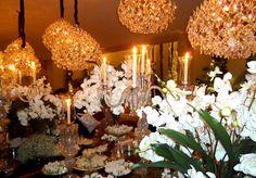 wedding, chandeliers, mesa de doces