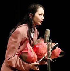 のん:「この世界の片隅に」声の演技で特別賞 ヨコハマ映画祭で「感動しています」 - 写真特集 (16枚目/全38枚) - MANTANWEB(まんたんウェブ)