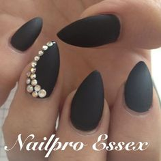 Matte black nails. LIKE ALL BUT SHAPE TO POINTY