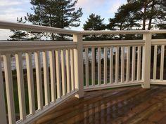 New England Altanräcke Beach Stairs, Garden Planning, Craftsman Porch, Outdoor Rooms, Outdoor Decor, Garden Design, Porch Railing, Exterior, Fence Design