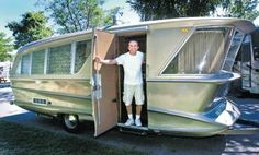 """The Super Modern 1960 Geographic """"Model X"""" Trailer -- Only 5 were built by David Holmes (of Harry David) BMW race car designer Chuck Perry. Vintage Campers Trailers, Retro Campers, Vintage Caravans, Camper Trailers, Vintage Motorhome, Classic Campers, Glamping, Hymer, Camping Hacks"""