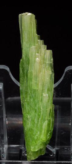 Tremolite [ ]Ca2Mg5Si8O22(OH)2 Merelani Hills, Lelatema Mountains, Arusha, Tanzania