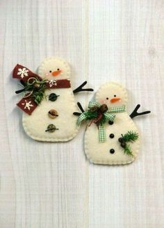 Felt Christmas Decorations, Felt Christmas Ornaments, Christmas Snowman, Winter Christmas, Snowman Ornaments, Ornaments Ideas, Beaded Ornaments, Snowman Crafts, Christmas Projects