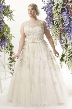 Veja nesta matéria lindos modelos de vestido de noiva para mulheres Plus Size que além de lindos favorecem e ajudam a realçar as suas curvas.