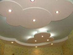 Debesys visada sukuria papildomos erdvės. Debesų forma kartu su paslėptu pašvietimu kilsteli lubas labai efektyviai.