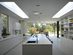 Our Crook kitchen is a sleek, minimal white marble kitchen, living and dining space with a serenely simple design that allows the cabinetry to speak for itself. Bespoke Kitchens, Luxury Kitchens, Home Kitchens, White Marble Kitchen, Walnut Kitchen, Minimal Kitchen Design, Minimalist Kitchen, Design Kitchen, Open Plan Kitchen Living Room
