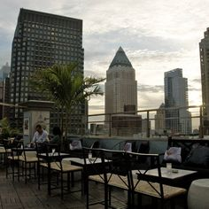 Of all the cities in the world to enjoy a few drinks atop a rooftop bar, New York City has to be one of the best. There is something about this city – the energy of it, the people and of course the incredible views that just lend itself so well to these New York's rooftop bars and clubs that...