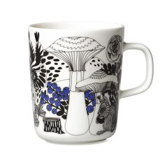 Marimekko mugs & cups are a fun way to enjoy your morning coffee. Top rated retailer of Marimekko mugs, cups, and dinnerware. Marimekko, Porcelain Ceramics, China Porcelain, Ceramics Tile, Helsinki, Blue Cups, White Interior Design, Stoneware Mugs, China Painting