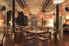 Flow Restaurant & Bar in Porto. Modern Mediterranean cuisine in a fully-restored neo-Arab style historic building. Restaurant Interior Design, Interior Design Tips, Interior Design Inspiration, Cool Restaurant, Outdoor Restaurant, Luxury Furniture, Portugal, Around The Worlds, House