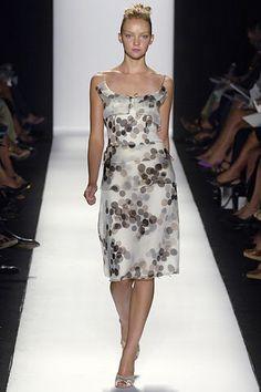 Carolina Herrera Spring 2006 Ready-to-Wear Fashion Show - Heather Marks
