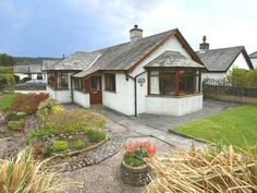 2 bedroom cottage in Coniston to rent from £300 pw. With phone and DVD.