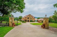 Austin | Hill Country Extraordinary lakefront estate in Austin Listed by: Brad Emerson | Brad Emerson Group