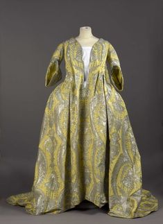 "This rare robe volante, or ""flying dress,"" was recently purchased by Palais Galliera, a fashion museum in Paris. For Corseted Courtiers, This Dress Was A French Revolution 18th Century Dress, 18th Century Costume, 18th Century Clothing, 18th Century Fashion, Rococo Fashion, French Fashion, Vintage Fashion, Historical Costume, Historical Clothing"