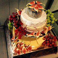 Cheese Platter #england #expertfoods #Topchefs #truecooks #truecooksfam #truecooksteam #TheArtOfPlating #picoftheday #food #foodart #foodpic #foodporn #foodstarz #finedining #finestfood #foodstagram #FOURMagazine #chef #cook #cheflife #cambridge #chefstalk #chefsofinstagram #uk #goodfood #gastroart #goodlooksforgoodcooks #restaurante #gastronomia #kitchen by frederico.uk