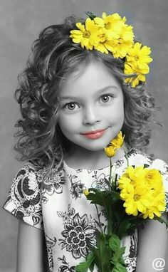 New black children photography color splash Ideas Black And White Girl, Black And White Colour, Black And White Pictures, White Girls, Yellow Black, Yellow Art, Girls Dp, Color Yellow, Eye Photography