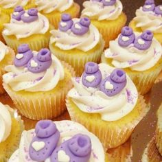 Baby shower baby bootie cupcakes