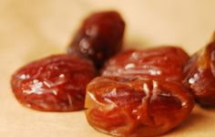 ... Raw and Vegan Foods » Dried Fruits and Berries » Medjool Dates