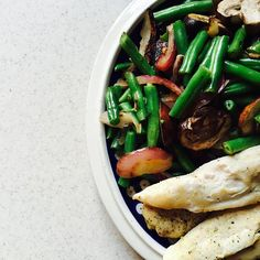 a very late lunch for me  but I was having too much fun smashing my legs to pieces  I waddled out of the gym and sped home to make this ⬆️ which is green beans  onions & mushrooms  and grilled chicken  also had an apple  gonna take it easy the rest of today  #fitfood #foodisfuel #flexibleeating #flexibledieting #eatclean #eathealthy #eatforabs #cheatclean #iifym #intuitiveeating #healthy #healthyeating #healthyandhappy #proteinfluff #legday #nofilter