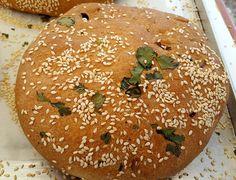 Ελιωτή με σησάμι και κόλιανδρο. Cyprus Food, Bread And Pastries, Greek Recipes, Baking Recipes, Bakery, Sweets, Cooking, Breads, Entertaining