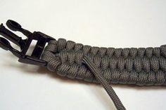 Woven Paracord Bracelet/watchband : 7 Steps (with Pictures) - Instructables Hemp Bracelets, Paracord Bracelets, Bracelets For Men, Survival Bracelets, Paracord Watch, Paracord Knife, Girl Scout Swap, Girl Scout Leader, Paracord Braids