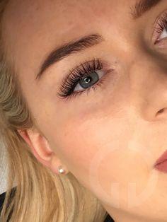 Types Of Eyelash Extensions, Eyelash Extensions Classic, Volume Lash Extensions, Natural Fake Eyelashes, Perfect Eyelashes, Brown Eyes Pop, Types Of Curls, Long Lashes, Wedding Hair And Makeup