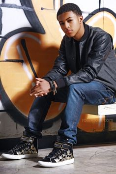 diggy simmons boys-can-t-live-with-them-can-t-live-without-them Diggy Simmons, Trevor Jackson, Guys And Girls, Boys, Mindless Behavior, Teen Boy Fashion, Brown Skin, Man Crush, Swagg