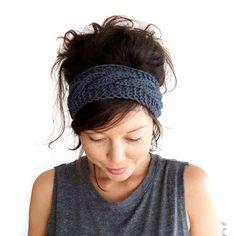 Cable Knit Headband in Charcoal Grey Merino Wool : Kabel stricken Stirnband aus Kohle Grau 100 % Merinowolle Headband Pattern, Knitted Headband, Knitted Hats, Crochet Headbands, Baby Headbands, Knitting Projects, Knitting Patterns, Cute Updo, Updo With Headband