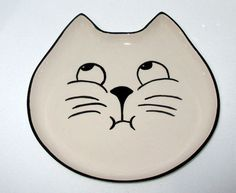 Handmade Cat Plate /  Hand painted / Ceramics and by nazsCERAMICS