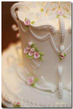 pretty cake detail