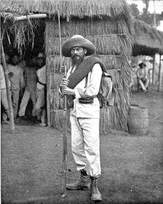 Spanish army sergeant in Philippines 1896 Guerra Hispano-americana, Emilio Aguinaldo, Fort Santiago, Banana Wars, The Spanish American War, Army Sergeant, Bataan, Jfk Jr, Rough Riders