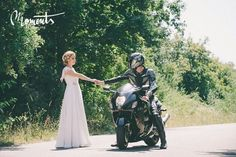 Bride, groom, posing, motors
