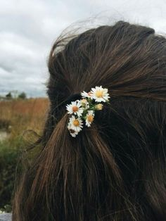 aesthetic, fashion, and girl Flower Aesthetic, Aesthetic Photo, Aesthetic Girl, Aesthetic Pictures, Aesthetic Fashion, Girl Photography Poses, Creative Photography, Beauty Photography, Girl Meets World
