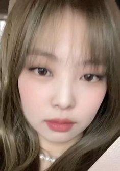 Kpop Girl Groups, Korean Girl Groups, Kpop Girls, K Pop, Jen Videos, Black Pink Songs, Jennie Kim Blackpink, Lisa, Blackpink Video