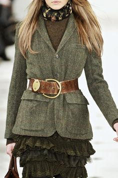 Tweed,old leather and flounce. Cool combo.