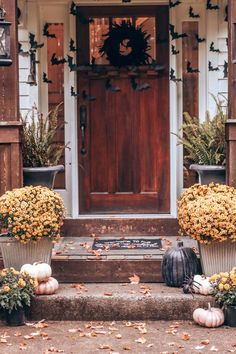 Halloween Bat Porch Decor with Printable – Hallstrom Home