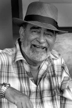 Andy Montañez, es un famoso cantante de Música salsa de Puerto Rico.