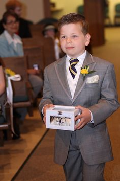 #Pageboy ... ring bearer box... Wedding ideas for brides, grooms, parents & planners ... https://itunes.apple.com/us/app/the-gold-wedding-planner/id498112599?ls=1=8 … plus how to organise an entire wedding ♥ The Gold Wedding Planner iPhone App ♥ http://pinterest.com/groomsandbrides/boards/