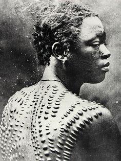 Pitt Rivers Museum Body Arts Scarification tribal body art - Tattoos And Body Art Afro Punk, Piercings, Scarification Tattoo, African Tribal Tattoos, Culture Art, African Tribes, African Art, Indian Tribes, Tribal People