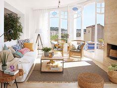 Солнечный дом с видом на море в Испании | Пуфик - блог о дизайне интерьера