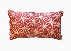 1509EB    The 1509EB pillow in Inniku Red